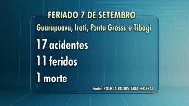 31 pessoas morreram nas estradas que cortam o Paraná neste feriado - 321 pessoas ficaram feridas nas estradas estaduais e federais.