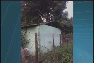 Chuva causa estragos em distrito de Presidente Olegário - Problemas ocorreram no fim da tarde desta terça-feira (8), no distrito de São Pedro da Ponte Firme. Casas foram destelhadas e árvores caíram.