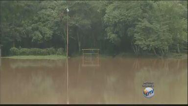 Nível do Rio Piracicaba aumenta com os temporais de terça-feira na região de Campinas - O nível chegou a 2 metros e 82 centímetros, sendo que a média para o mês é de 1 metro e 46 centímetros.