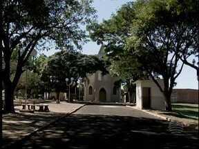 Mesmo com 'nome oficial', distrito é conhecido como Vila Escócia - Bairro de Martinópolis tem Guachos como nome de registro.