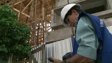 Fiscais do CREA vistoriam obras em Paranavaí - De acordo com um levantamento do Conselho Regional de Engenharia e Arquitetura apontou que mais da metade das obras na região têm algum problema.