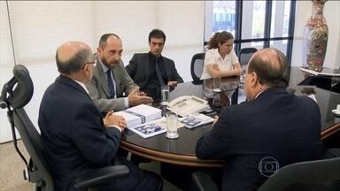 Governo brasileiro entrega ao TCU novas explicações sobre pedaladas fiscais - Um documento com mais de mil páginas trouxe as últimas explicações do governo federal sobre as contas de 2014.