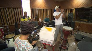Pierre Onassis volta ao cenário da música baiana - Pierre ficou quase oito anos longe da música da Bahia.