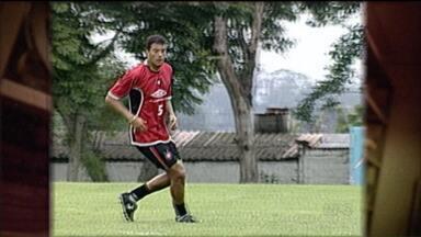 Baú do Esporte mostra derrota do Atlético-PR para o Vasco em 2004 - Jogo em São Januário teve confusão na entrada da torcida do Atlético e derrota por 1 a 0 ajudou a custar o bicampeonato do Furacão