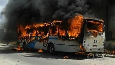 Trio é suspeito de de atear fogo a ônibus para protestar por prisão do irmão - Polícia diz que família é de alta periculosidade