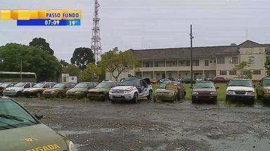 Dez viaturas da Brigada Militar estão paradas em Passo Fundo, RS - Número representa quase metade da frota do município.