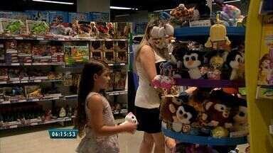 Lojas preparam decoração e acervo para o mês das crianças - Opções não faltam para os pais fazerem a alegria dos filhos.