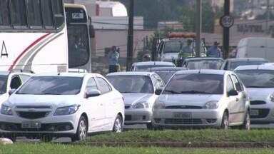 Existe indústria da multa em Londrina ou os motoristas cometem muitas infrações? - O comportamento dos motoristas no trânsito da cidade está deixando à desejar. Se a CMTU tivesse uma fiscalização mais eficiente o número de multas seria muito maior. Saiba quais são as infrações mais comuns.