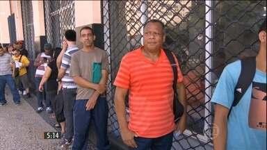 Taxa de desemprego atinge maior nível para agosto desde 2009 - De acordo com o IBGE, o número de brasileiros a procura de trabalho em seis regiões metropolitanas do país, mais que dobrou em um ano.