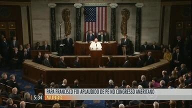 Papa Francisco faz discurso histórico no Congresso americano - Pontífice falou sobre o tratamento aos imigrantes e foi aplaudido de pé. Em seguida, ele chegou à Nova York para uma visita de dois dias cheia de compromissos.