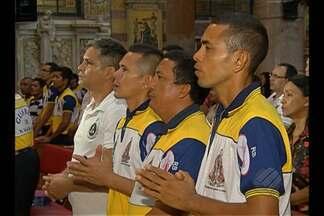 Guardas de Nazaré participam de 'Missa do Envio' - Cerimônia é dedicada a guardas que vão atuar em procissões do Círio.