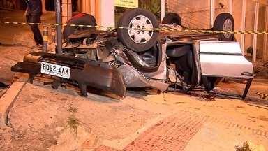 Jovem morre em acidente entre carro e moto na Região Leste de Belo Horizonte - Rapaz tinha 21 anos; a batida aconteceu na Avenida Silviano Brandão, no bairro Sagrada Família