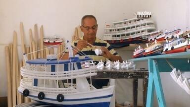 Conheça um artesão que cria minuaturas de barcos - Marcelino Borges, começou a fazer barquinhos aos 12 anos.