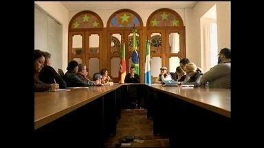 Prefeitura de Rio Grande, RS, detalha prejuízos causados pela chuva - Estragos foram divulgados em coletiva para imprensa. Defesa Civil segue mobilização.