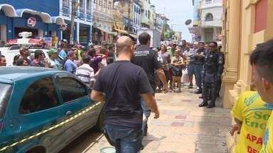 Guardador de carros é morto após tentativa de roubo em Manaus - Segundo PM, caso ocorreu na manhã deste sábado na Rua dos Barés. Caso foi registrado no 1º DIP; vítima ainda não foi identificada.