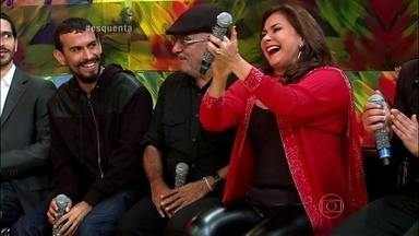 Regina Casé elogia musical de Fafá de Belém - Cantora ainda conta o que o Festival de Parintins representa para ela