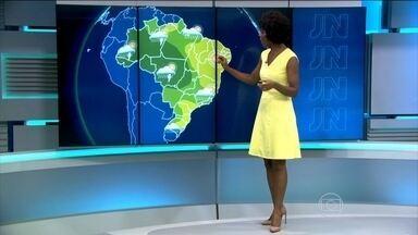 Grande parte do Brasil deve ter chuva na terça-feira (29) - Chuva pode visitar todas as capitais do Centro-Oeste. No Sudeste, chove no norte de São Paulo, em todo Rio de Janeiro, no sul do Espirito Santo e no centro-norte de Minas.