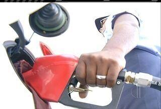 Aumento da gasolina e do diesel chegam aos postos de gasolina no interior do Rio - Gasolina está custando em média R$ 4.
