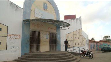 Alunos de unidade escolar de São Luís estão sem aula - A Unidade de Ensino Básico João de Souza Guimarães, no bairro da Divinéia, está fechada e sem aulas há vários dias.