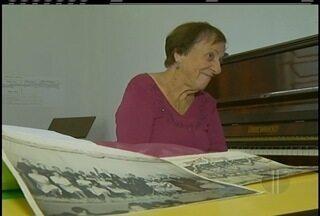 História de escola de arte se mistura com a vida de idosa de 90 anos que vive para música - Escola é patrimônio de Petrópolis.
