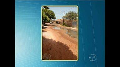 Telespectadores do JT denunciam problemas de infraestrutura em ruas de Santarém - Mato, buracos e lama prejudicam a passagem de pedestres e veículos.