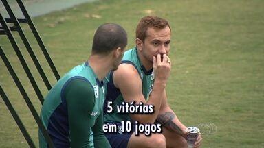 Goiás faz contas para continuar na primeira divisão - Verdão está perto da zona de rebaixamento e quer mais cinco vitórias nos últimos dez jogos.