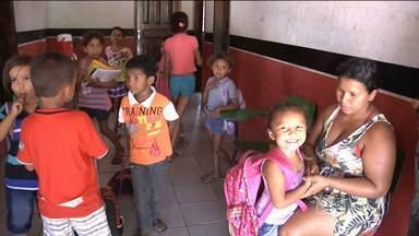 Em Codó, falta espaço nas escolas públicas - Em Codó, falta espaço nas escolas públicas.