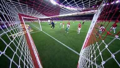 Inter sofre com jogadas de bola aérea - Contra o Palmeiras, colorado sofreu dois gols de cabeça e foi eliminado da Copa do Brasil.