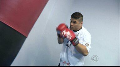 Delan treina MMA e sonha em chegar ao UFC - O paraibano está se preparando para participar do Shooto Brasil e está treinando em Natal com técnico de lutadores do UFC