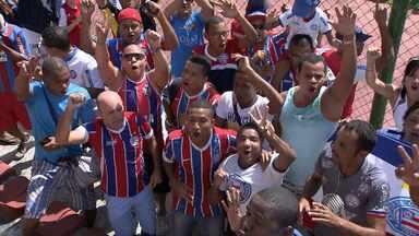 Jogadores do Bahia recebem apoio da torcida em último treino antes de clássico - Já foram vendidos quase 32 mil ingressos para a partida, que acontece neste sábado (03), na Arena Fonte Nova.