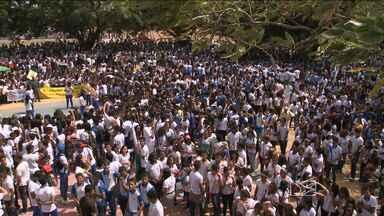 Alunos de 16 escolas da Cidade Operária fazem caminhada pela paz - Alunos de 16 escolas da Cidade Operária fazem caminhada pela paz