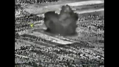 Rússia atinge Estado Islâmico após quatro dias de ataques aéreos na Síria - Bombardeios russos destruíram um posto de comando do grupo terrorista. Moscou declarou que atacou nove alvos do Estado Islâmico, mas a coalização liderada pelos EUA discorda.