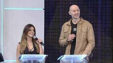 Giovanna Lancellotti e Tande participam do quadro Ding Dong - Atriz acerta a música 'Girl on Fire'