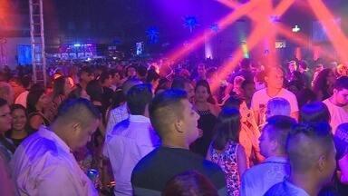'Nos Tempos da Brilhantina' embalou festa Studio Disco, em Manaus - Ritmos dos anos 70 e 80 reuniram centenas de fãs na noite de sábado (3). Carros clássicos da época também abrilhantaram o evento.