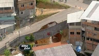 Cratera é aberta no bairro de Boa Vista do Lobato - Confira nas imagens do Redecop.