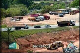 Concessionária instala 'quebra-molas' na MG-050 próximo a Nova Serrana - Motoristas devem ficar atentos no trevo. Especialista em trânsito indica cuidados para quem vai passar pelo local.