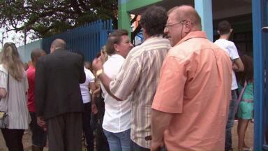 Filas e tumulto marcam eleições para conselheiros tutelares em Cascavel - Lista preliminar com o nome dos vencedores foi divulgada hoje.