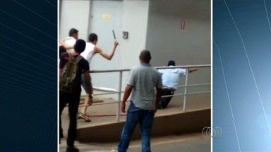 Motoristas do transporte coletivo relatam medo e agressões durante trabalho, em Goiânia - Em Senador Canedo, um passageiro chegou a perseguir o condutor com uma faca de açougueiro.