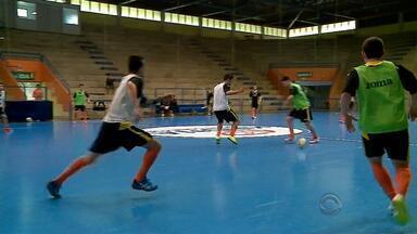 ACBF já chegou aos cem gols na Série Ouro e dispara na Liga Nacional de Futsal - Equipe se classificou para as quartas de final com quatro jogos de antecedência.