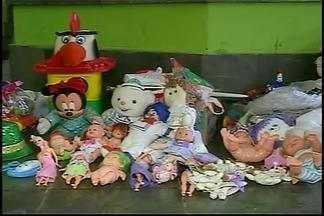 Projeto 'Integração Criança' arrecada brinquedos em Araxá - Ação é desenvolvida pela TV Integração, afiliada da Rede Globo. Confira os postos de doação.