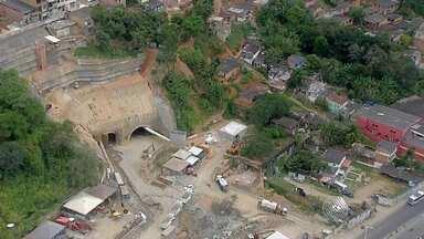 Moradores de Boa Vista do Lobato sofrem sem saber quando voltam para casa - Mais de 20 famílias tiveram de deixar suas moradias por risco de desabamento.