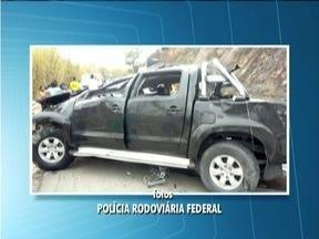 Duas pessoas morrem depois de capotamento na BR-116 - As vítimas são de distrito de Teófilo Otoni.