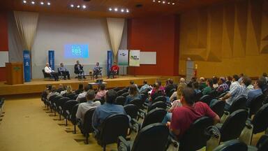 Passo Fundo recebe o primeiro Painel RBS Notícias - Evento debateu os efeitos do clima na agricultura gaúcha.