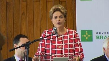 Presidente Dilma visita o Palácio do Buriti pela primeira vez desde que tomou posse - Numa solenidade com muitos políticos, o governador Rodrigo Rollemberg agradeceu à presidente Dilma o apoio que a União vem dando à gestão dele, por exemplo, com empréstimos financeiros.