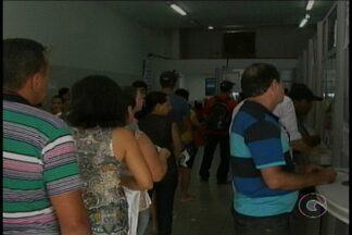 Primeiro dia de greve dos bancos deixa lotéricas lotadas em Petrolina - As pessoas queriam, principalmente, pagar as contas atrasadas.