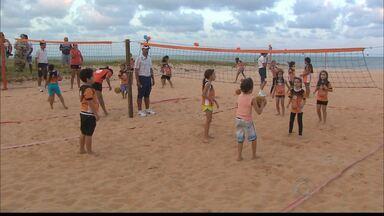Escolinha de vôlei de praia comemora aniversário com torneio - Neste sábado, a praia do Cabo Branco receberam os jogos da escolinha de vôlei de praia.