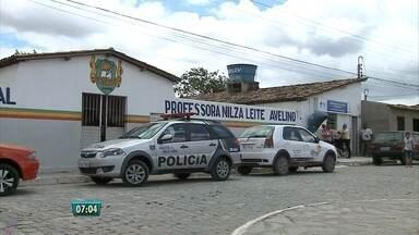 Uma criança continua internada em Sanharó após tomar suco de professora - Polícia investiga se professora colocou tranquilizante na bebida. Ela foi afastada do cargo pelo prefeito