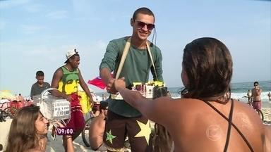 Conheça casal carioca que saiu da crise mudando completamente de atividade - Wellinton e Ana Carolina passaram a vender quitutes na praia