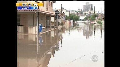 Municípios catarinenses registram danos por causa da intensa chuva - Municípios catarinenses registram danos por causa da intensa chuva