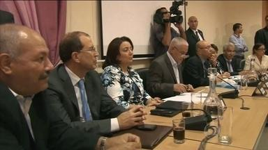 Grupos que mediaram democracia na Tunísia dividem Nobel da Paz 2015 - Grupo lançou processo político alternativo no momento em que o país estava à beira da guerra civil.